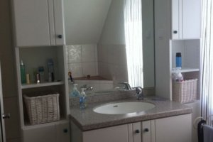 badezimmerschrank2